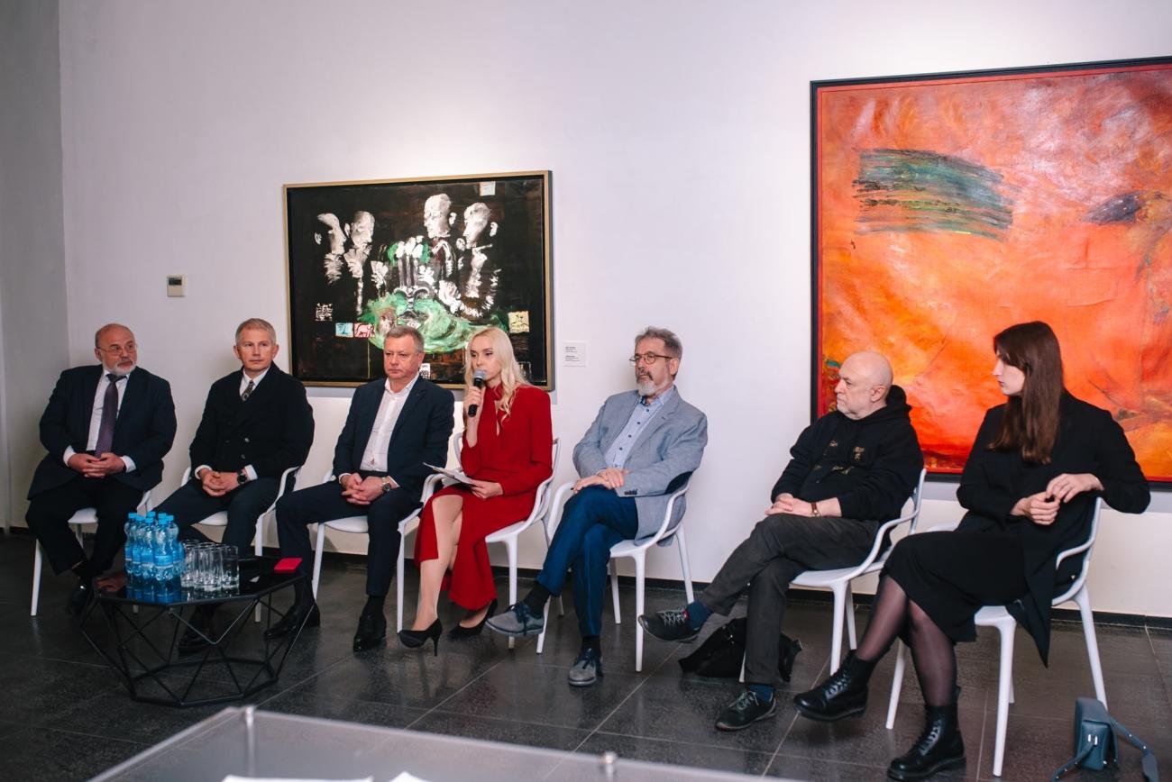 Виставка «Відкрита можливість» в Центрі сучасного мистецтва М17 30 років історії сучасного мистецтва представили у Києві – СТБ