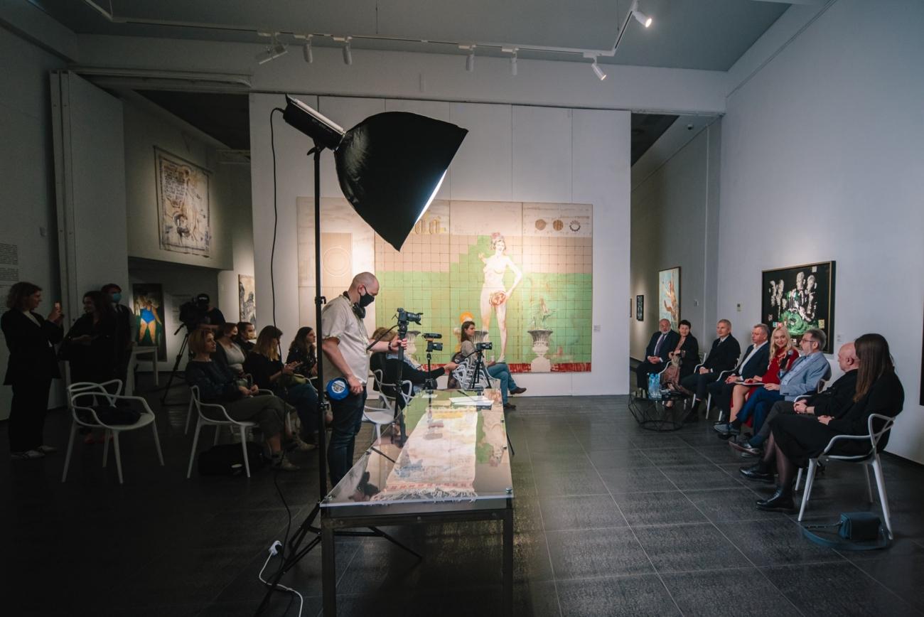 Кураторська екскурсія виставкою «Відкрита можливість» – Support Your Art